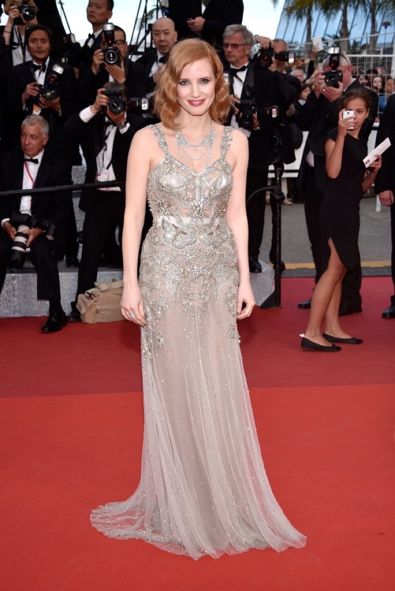 Jessica-Chastain-channeled-modern-flapper-vibes-metallic