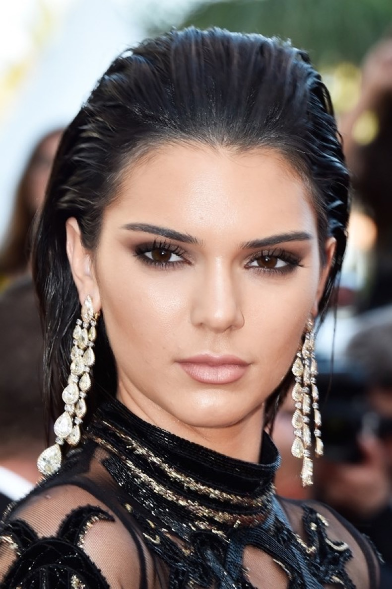 Kendall-Jenner-vogue-16may16-getty_b_592x888