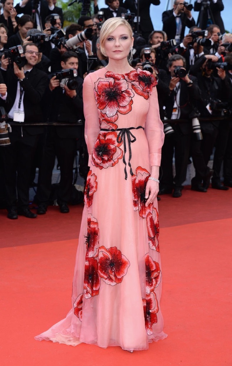 Kirsten-Dunst-wore-floral-embellished-Gucci-gown-Chopard