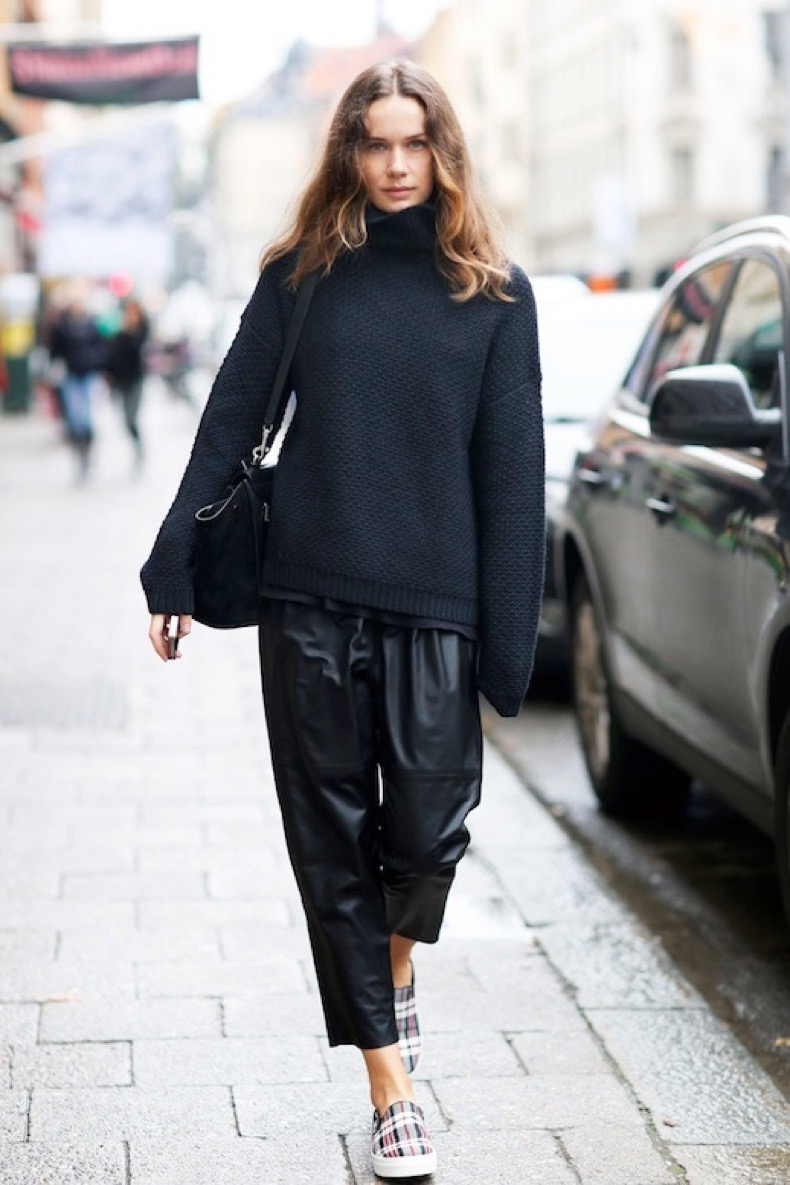 Le-Fashion-Blog-Blogger-Style-Chunky-Turtleneck-Sweater-Cropped-Leather-Pants-Tartan-Slip-On-Sneakers-Via-Carolines-Mode