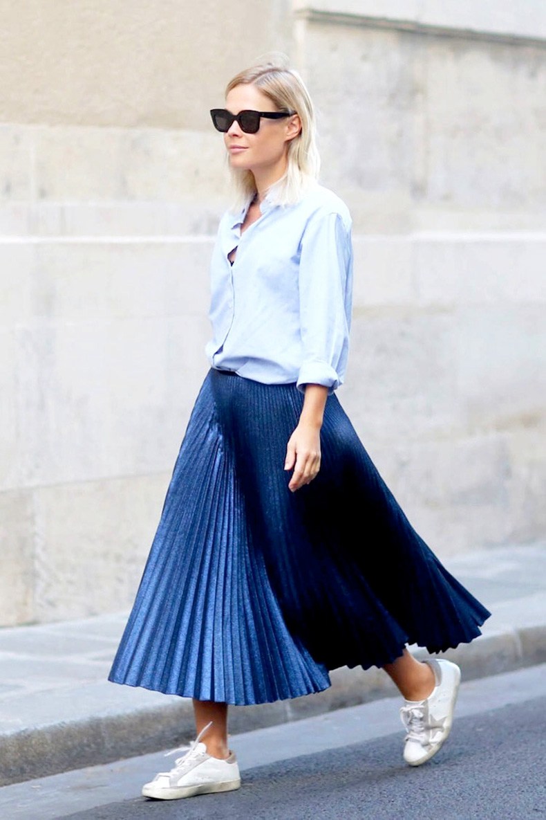 PLEATED-MINI-skirt-star-print-sneakers-oxford-shirt-sneakers-and-skirts-bloglovin