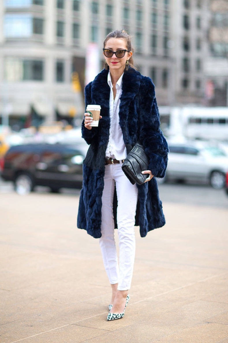 Street Style - Easy Chic with white jeans and fur coat