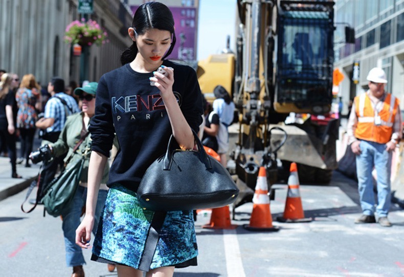 Street-Style-Model-Of-Duty-Kenzo-Sweaters-2