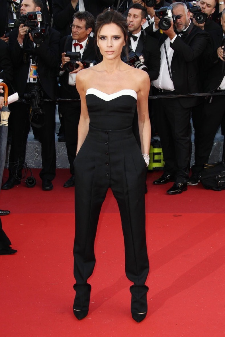 Victoria-Beckham-wore-black-white-trimmed-Victoria-Beckham