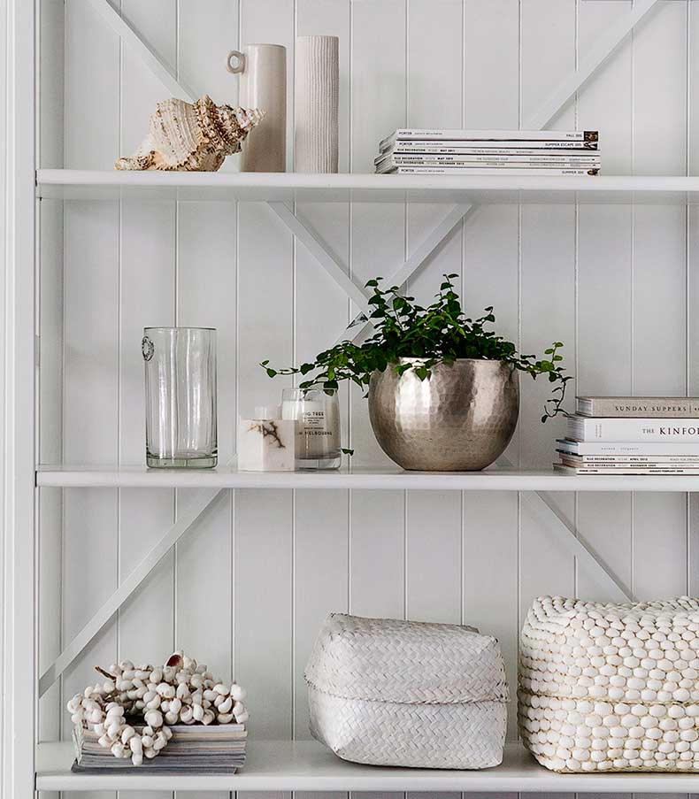 White-shelf-details