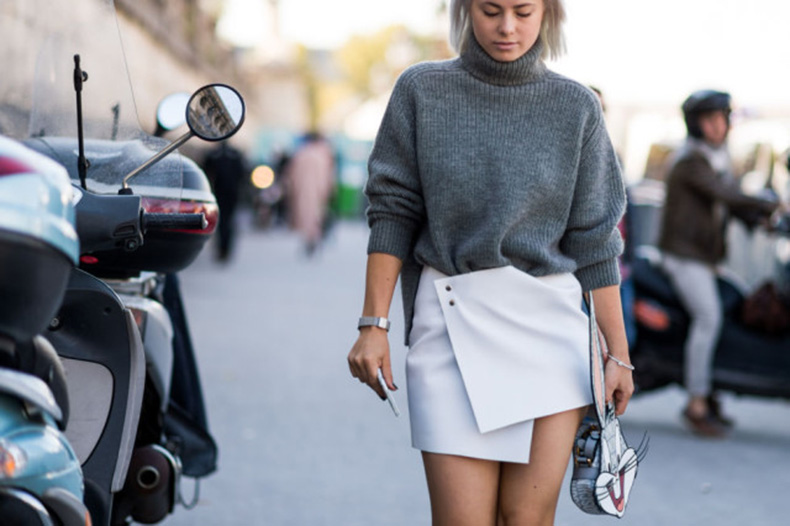 chunky-knitss-turtleneck-sweater-wrap-skirt-mini-skirt-grey-white-paris-fashion-week-street-style-fall-outfits-ell-640x426