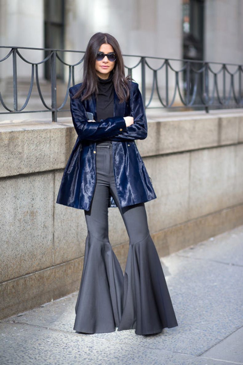 flares-turtleneck-black-and-navy-velvet-jacket-nyfw-street-style-nyfw-fallwinter-2016-new-york-fashion-week-winter-to-spring-dressing-winter-outfits-what-to-wear-when-its-freezing-layering-layers-hbz