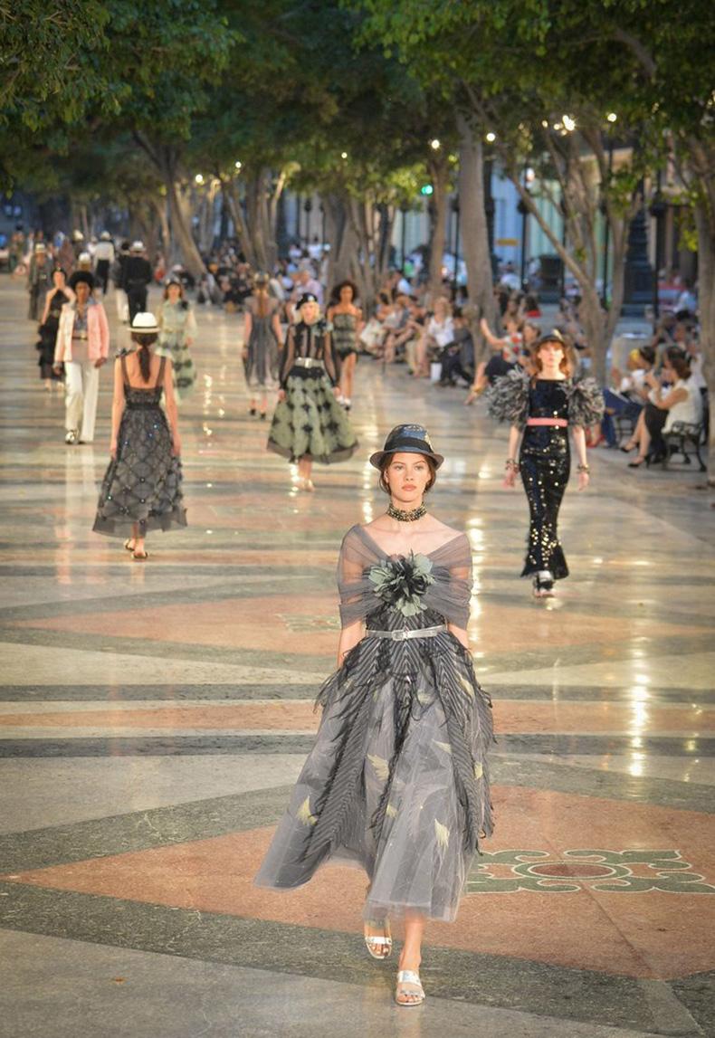 gown-fedora-Were