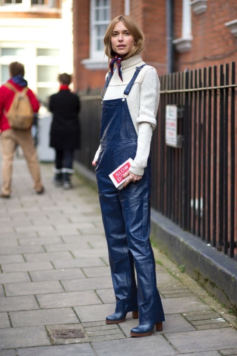 hbz-street-style-trends-fun-bags-04