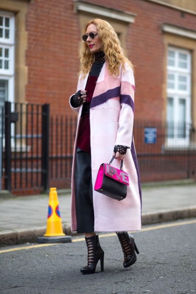 hbz-street-style-trends-fun-bags-05