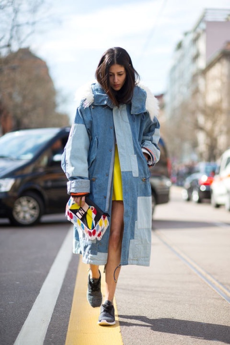 hbz-street-style-trends-fun-bags-07