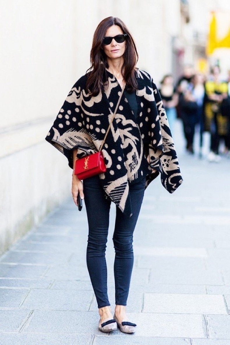 large_Fustany-Style_Ideas-12_Street_Style_Photos_to_Show_You_How_to_Wear_a_Poncho-11