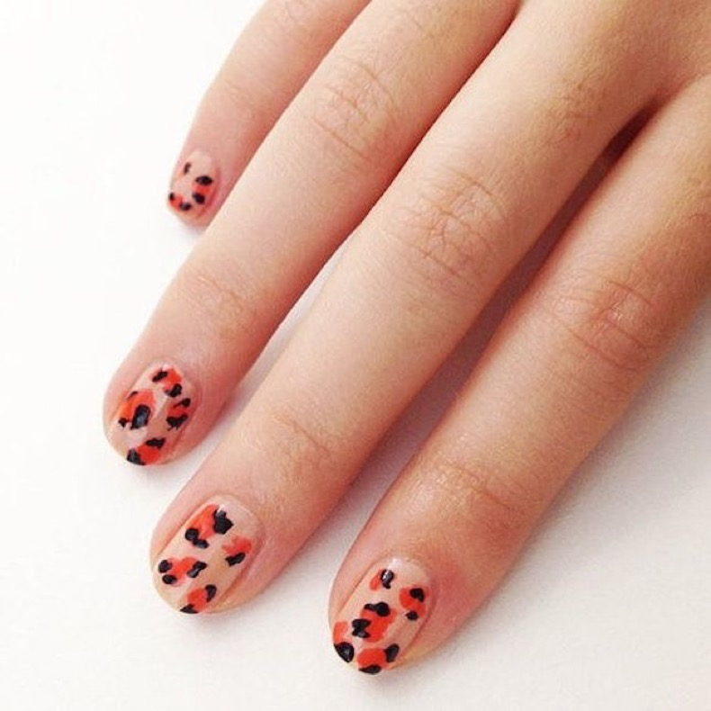 leopard-accent-nail