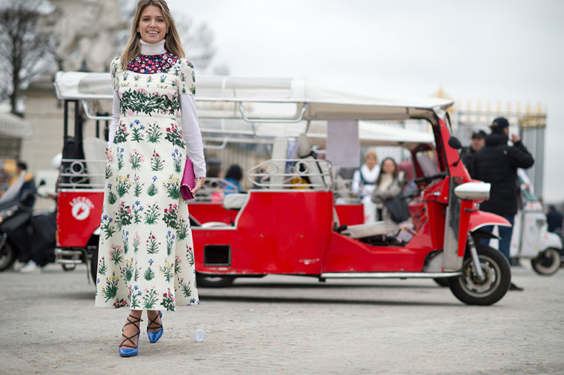 maxi-dress-in-winter-turtlneck-under-dress-floral-dress-spring-dress-night-evening-dresses-to-work-elle.com_
