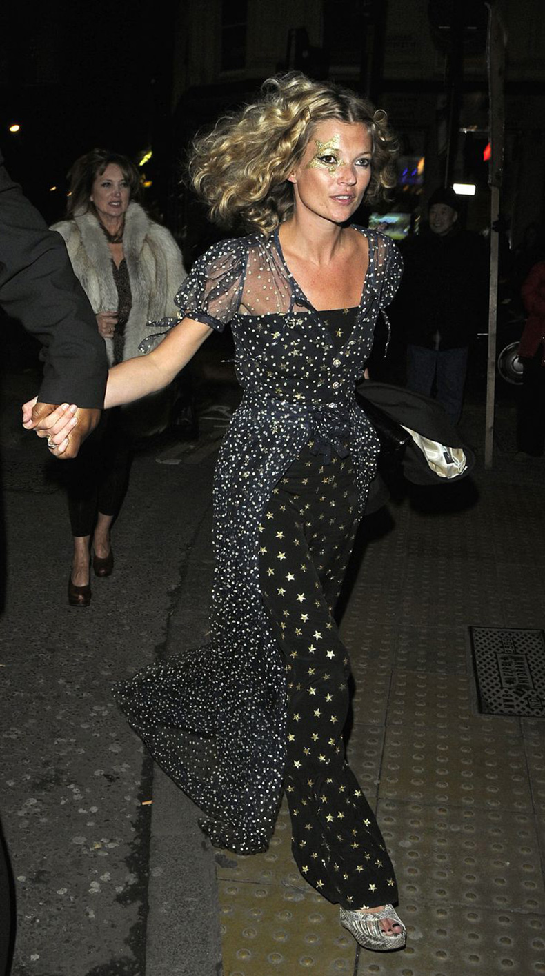 new-years-outfit-black-slip-dress-winter-wedding-outfit-cocktail-party-outfit-j-star-print-evening-gown-black-tie-gown-kate-moss-getty