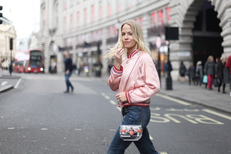 new-york-fashion-week-street-style-tommy-hilfiger-aw16-show-collection-ss16-london-fashion-blogger-sweatshirts-and-dresses-pink-bomber-jacket-2