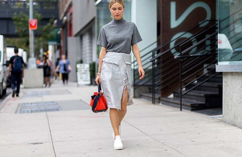 nyfw-mockneck-funnelneck-shortsleeve-turtleneck-wrap-skirt-grey-work-outfit-sneakers-white-sneakers-snekaers-and-skirts-nyfw-via-the-styleograph-640x417
