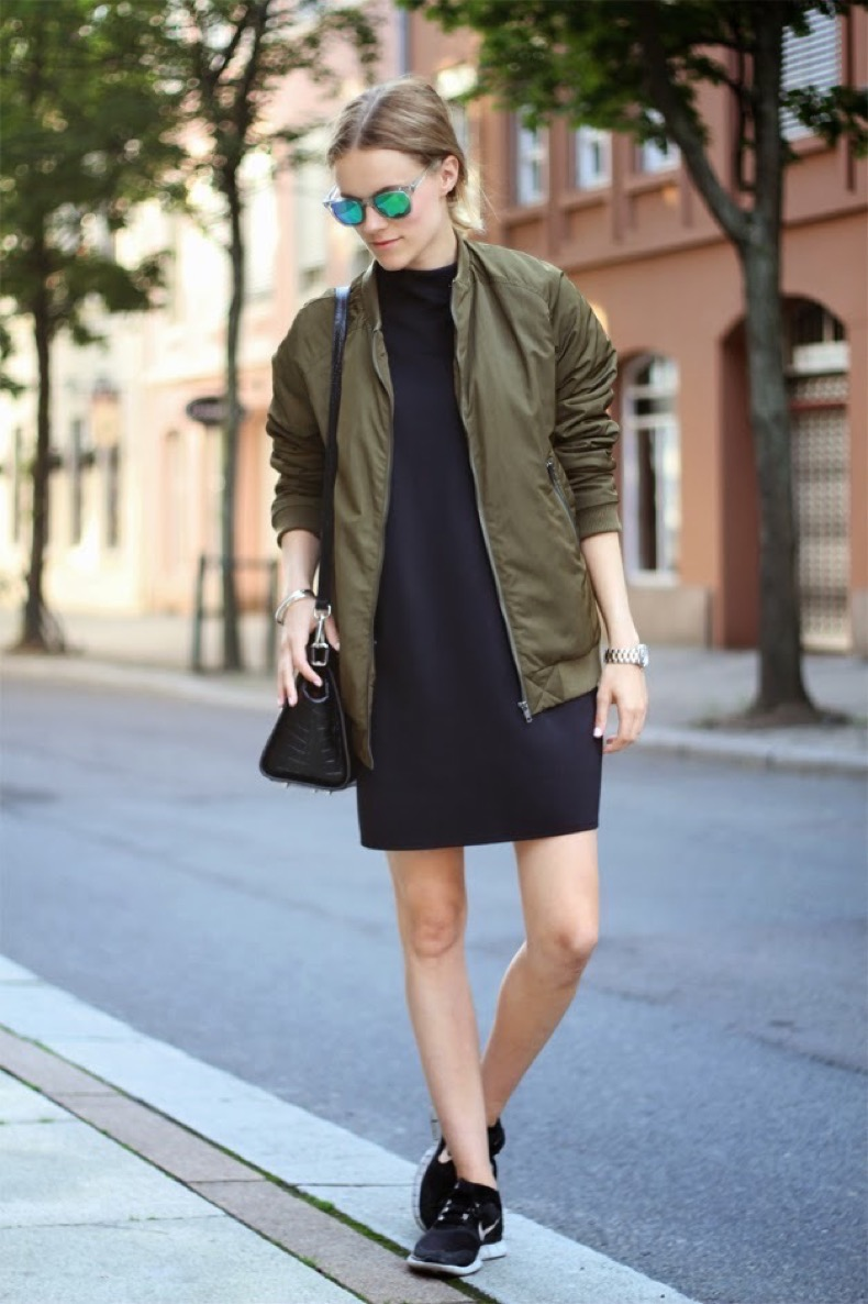 outfit_street_style_bomber_mirror_lens_nike_sneakers_free run_military green_fashion_trends_verde_militar_cazadoras_front row blog_looks