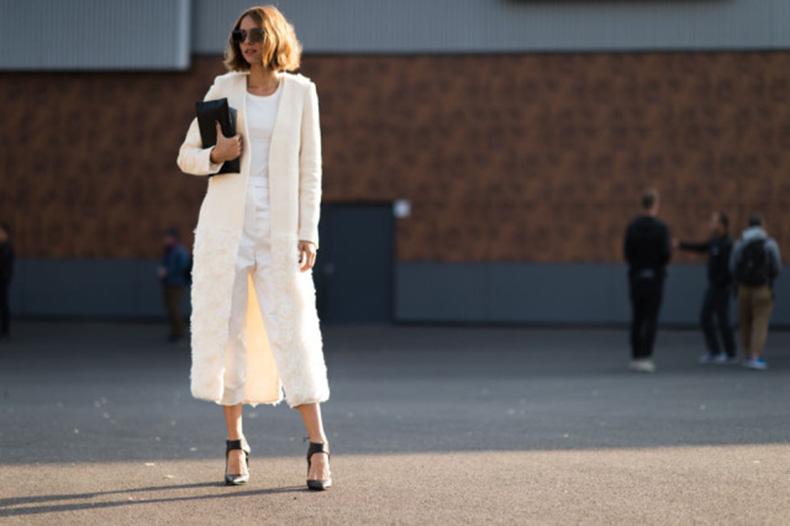 paris-fashion-week-street-style-elle-all-white-textured-coat-white-coat-640x426
