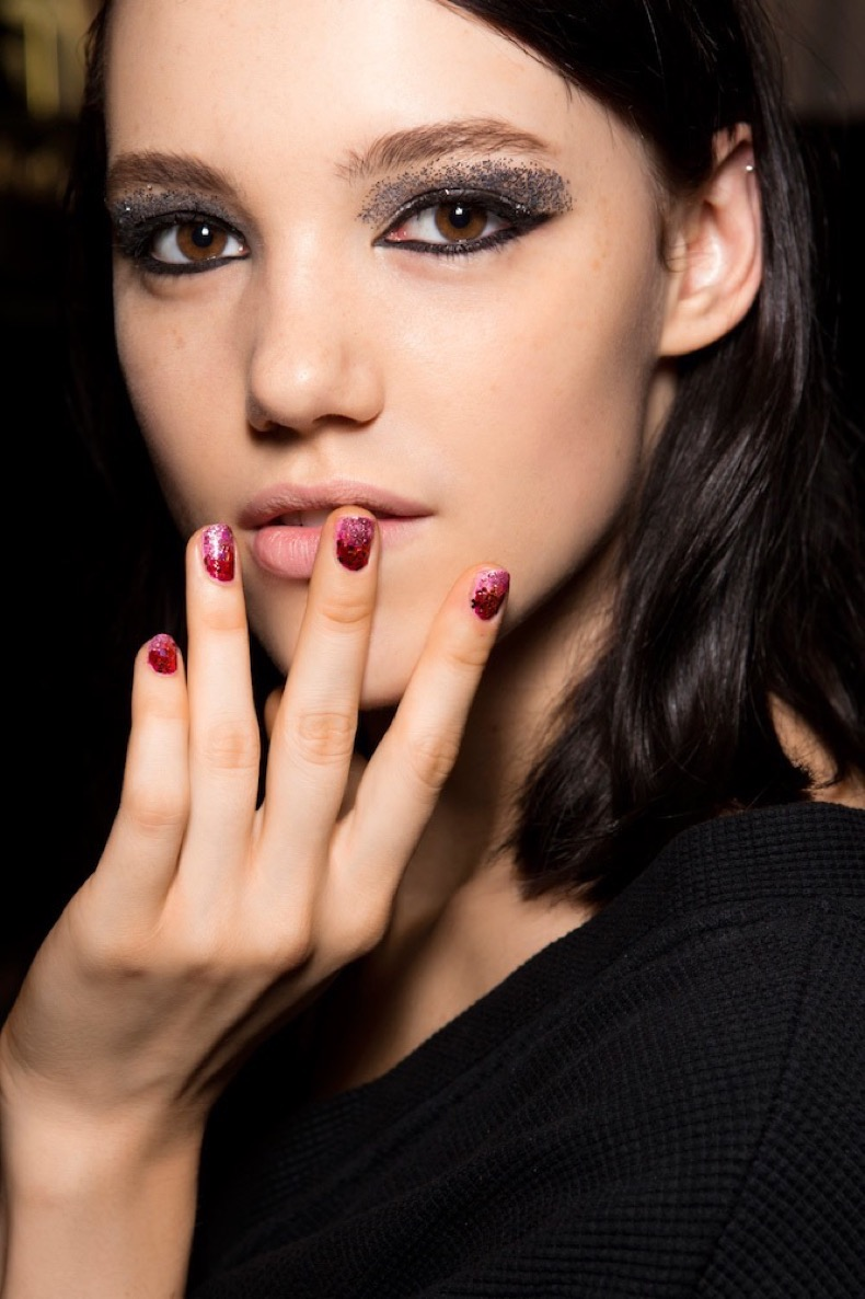 pink-red-glitter-nails-20