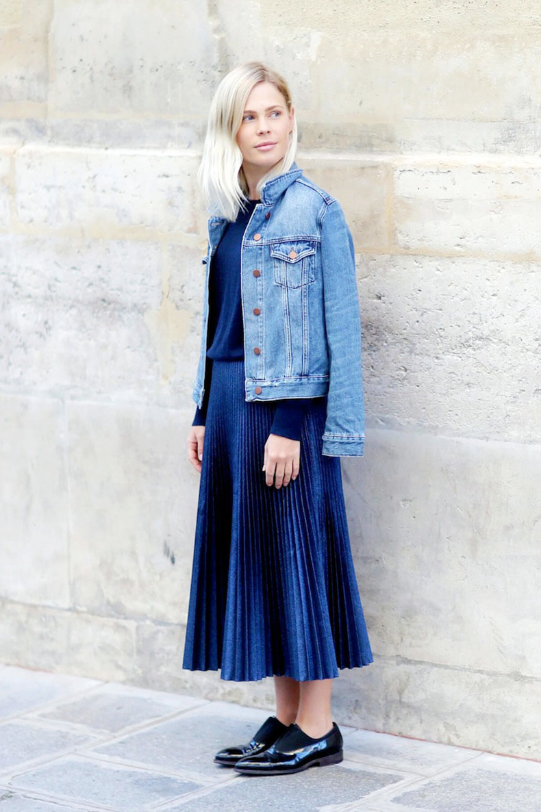 pleated-midi-skirt-denim-jacket-oxfords-navy-what-to-wear-to-work-bloglovin