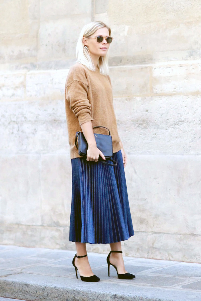 pleated-midi-skirt-oversized-sweater-and-skirt-work-outfit-metallic-skirt-accordion-pleats-bloglovin