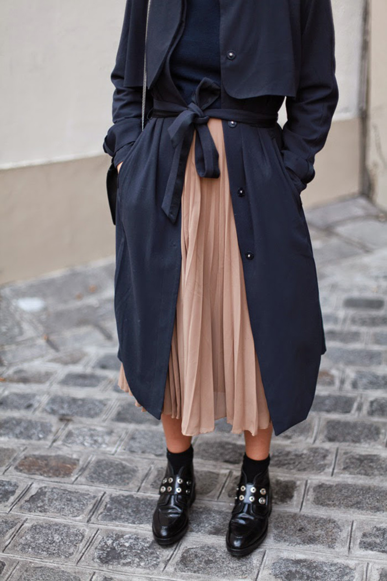 pleated-skirt-midi-skirt-booties-via-adenorah