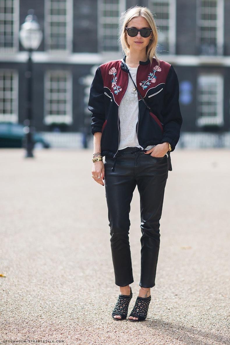 printed-bomber-jacket-street-style