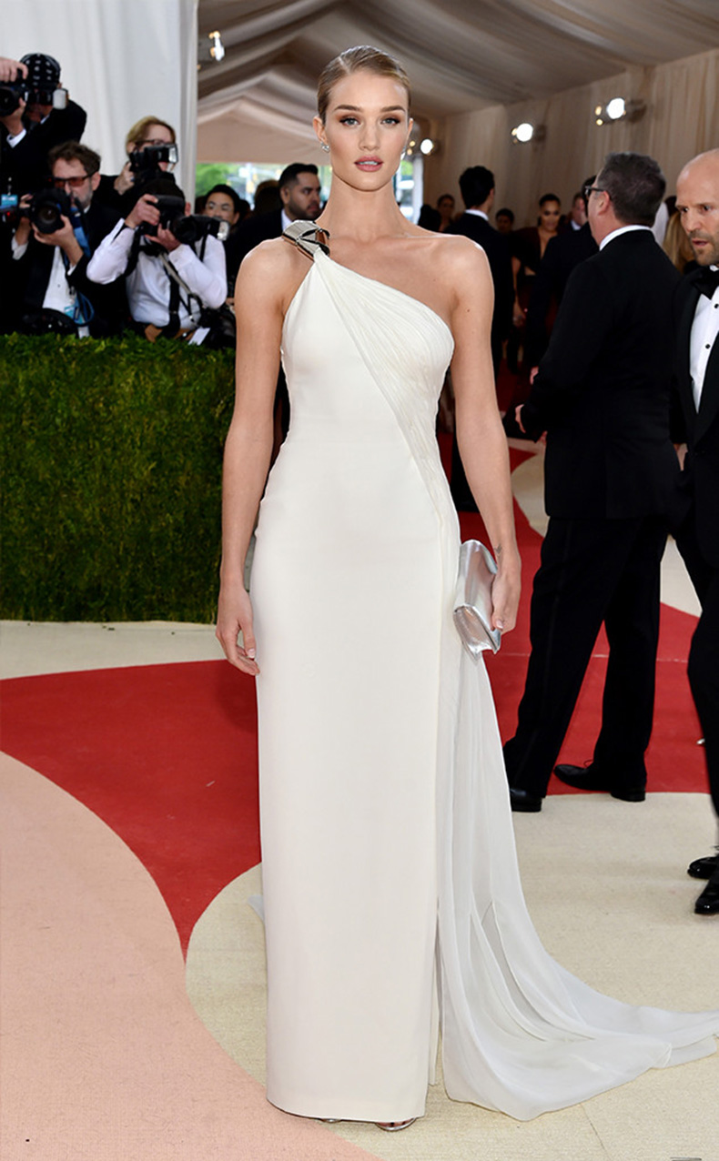 rs_634x1024-160502154948-634-rosie-huntington-whiteley-MET-GALA-Arrivals-2016