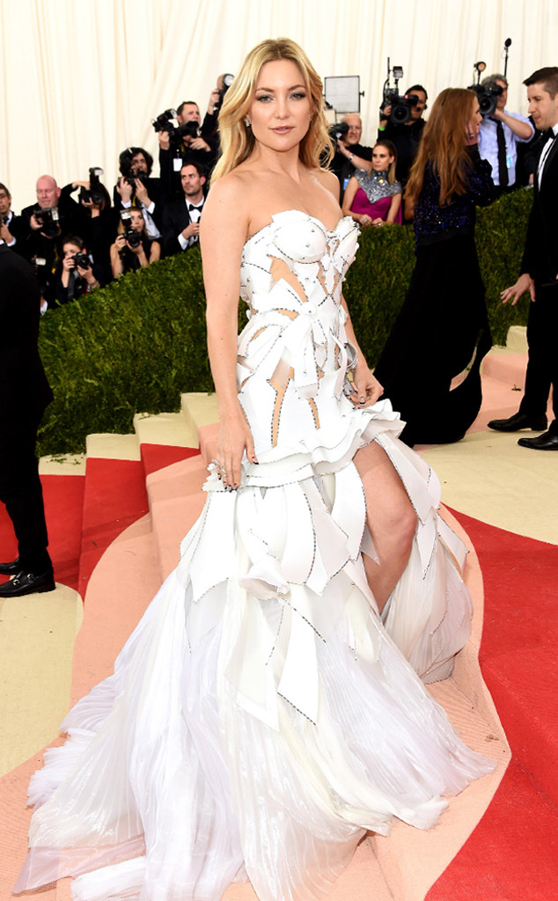 rs_634x1024-160502171220-634-MET-GALA-Arrivals-Kate-Hudson.ms.50216