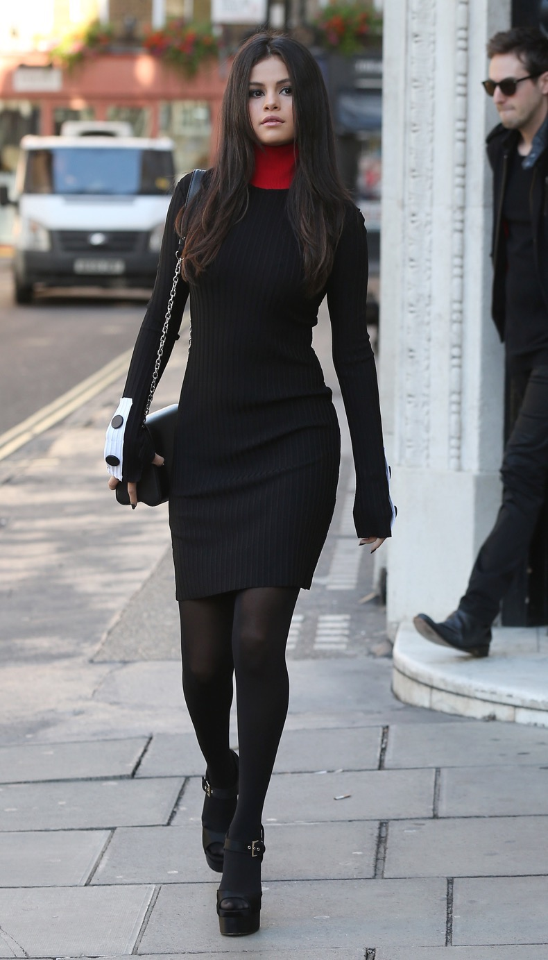 LONDON, ENGLAND - SEPTEMBER 23:  Selena Gomez seen leaving KISS FM on September 23, 2015 in London, England.  (Photo by Neil Mockford/Alex Huckle/GC Images)