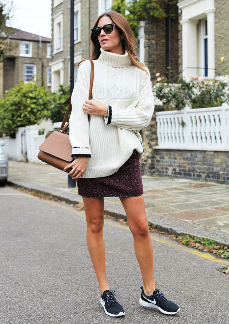 sneakers-and-skirts-nike-turtleneck-swaeter-mini-skirt-turtleneck-sweater-via-amlul