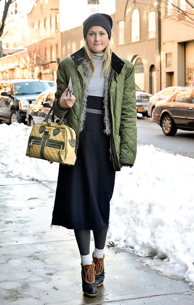 snow-winter-parka-beanie-duck-boots-snow-boots-midi-skirt-socks-turtleneck-editor-style-mary-kate-steinmiller-via-getty-640x1005