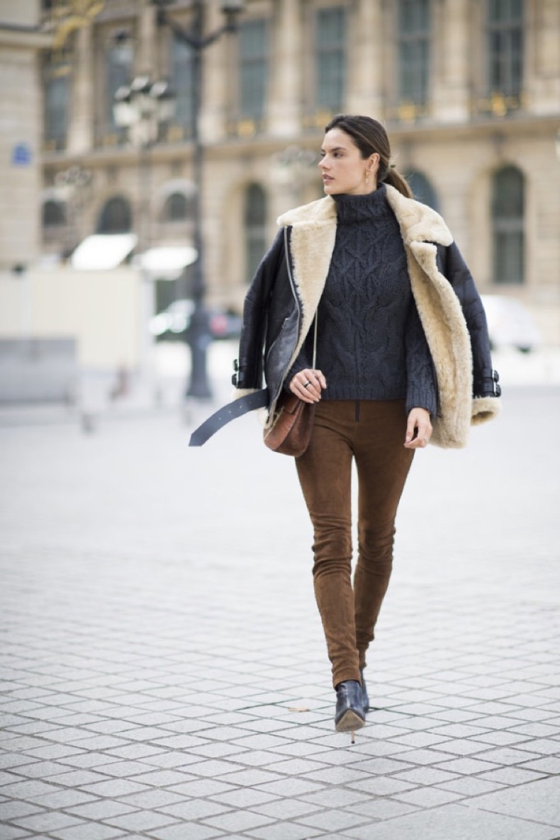 suede-pants-turtleneck-sweater-alessandra-ambrosio-weekend-outfit-pfw-street-style-getty-640x961