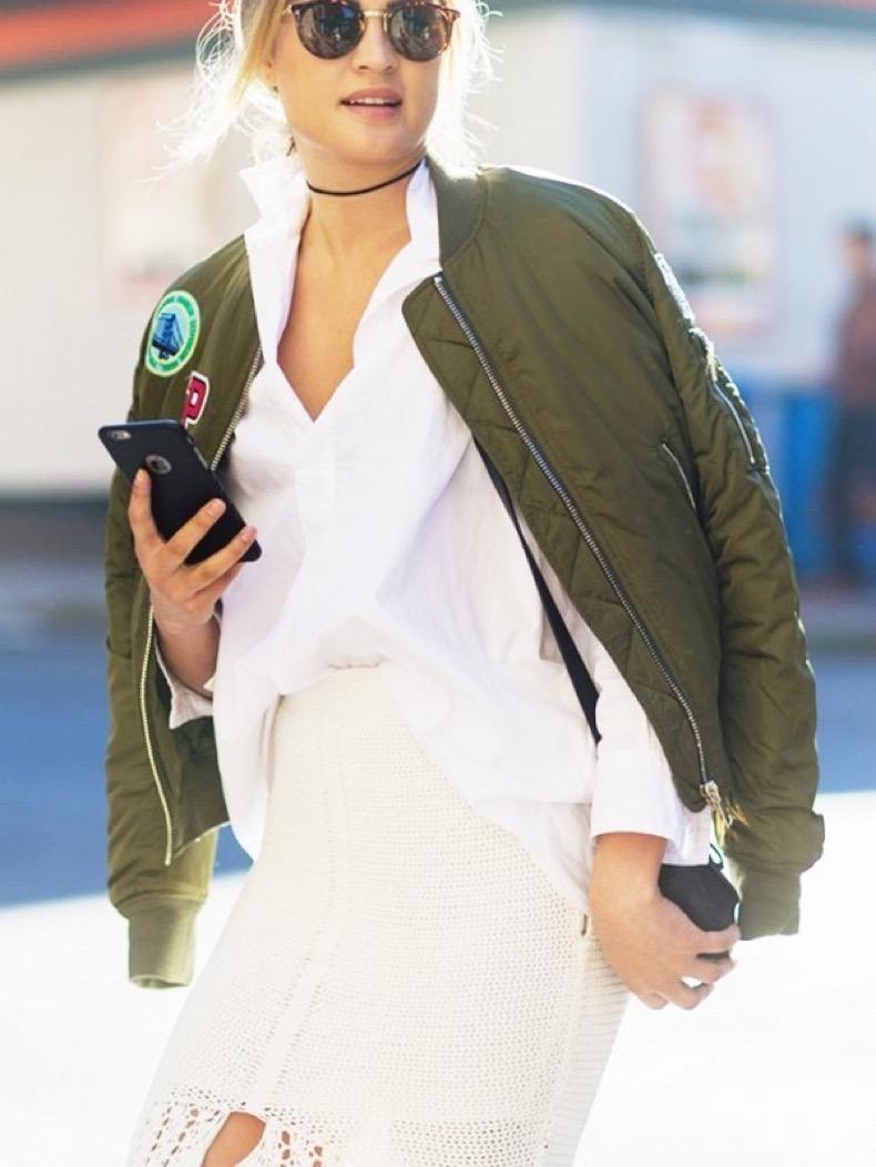 the-latest-street-style-photos-from-australian-fashion-week-1773534-1463574996.600x0c