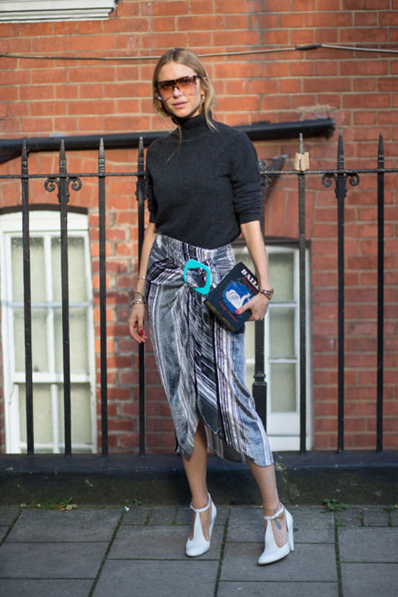 turtleneck-asummetrical-hemline-wrap-skirt-striped-white-shoes-clutch-book-clutch-sunglases-glasses-look-de-pernille-pernille-teisbaek-lfw-street-style-via-harpersbazaar.com_
