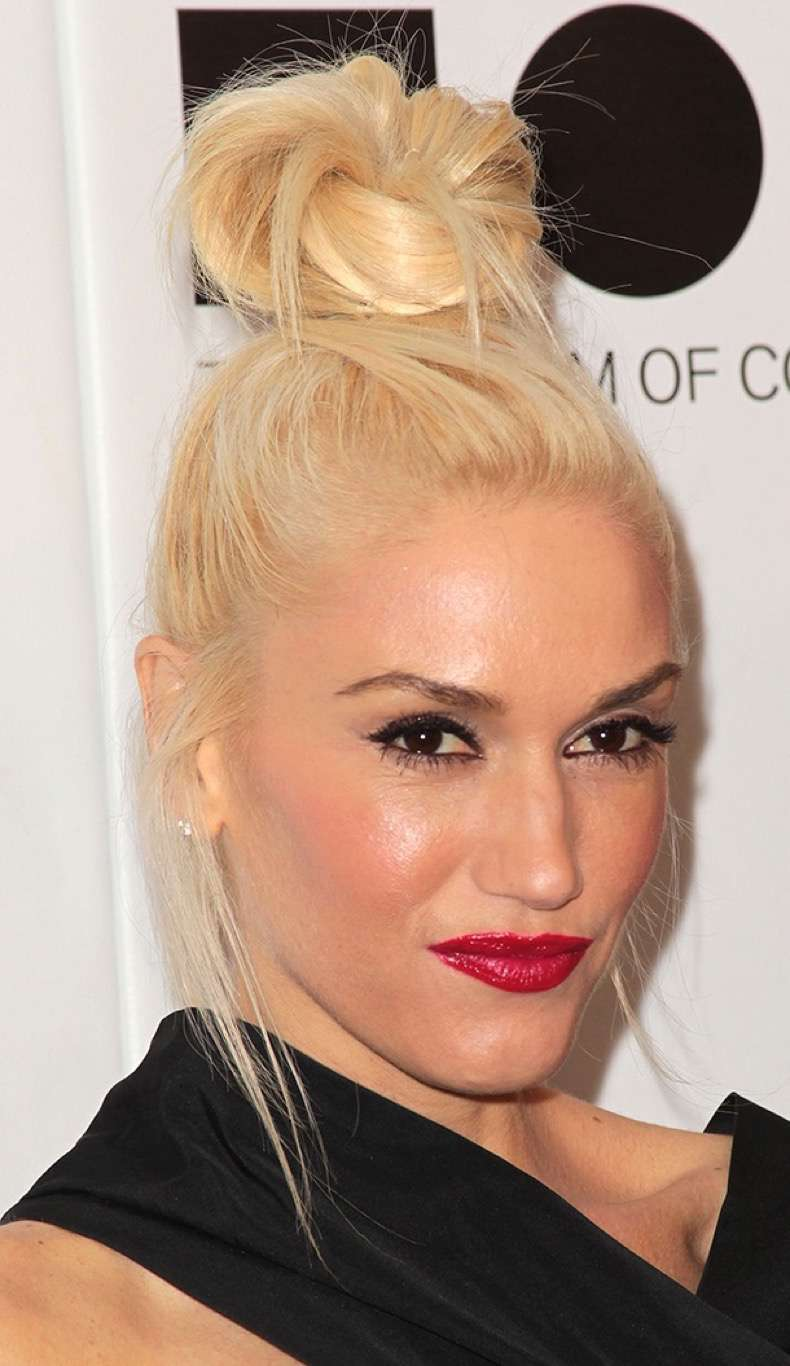 LOS ANGELES, CA - NOVEMBER 12: Recording artist Gwen Stefani attends the 2011 Museum Of Contemporary Art Gala on November 12, 2011 in Los Angeles, California. (Photo by Frederick M. Brown/Getty Images)
