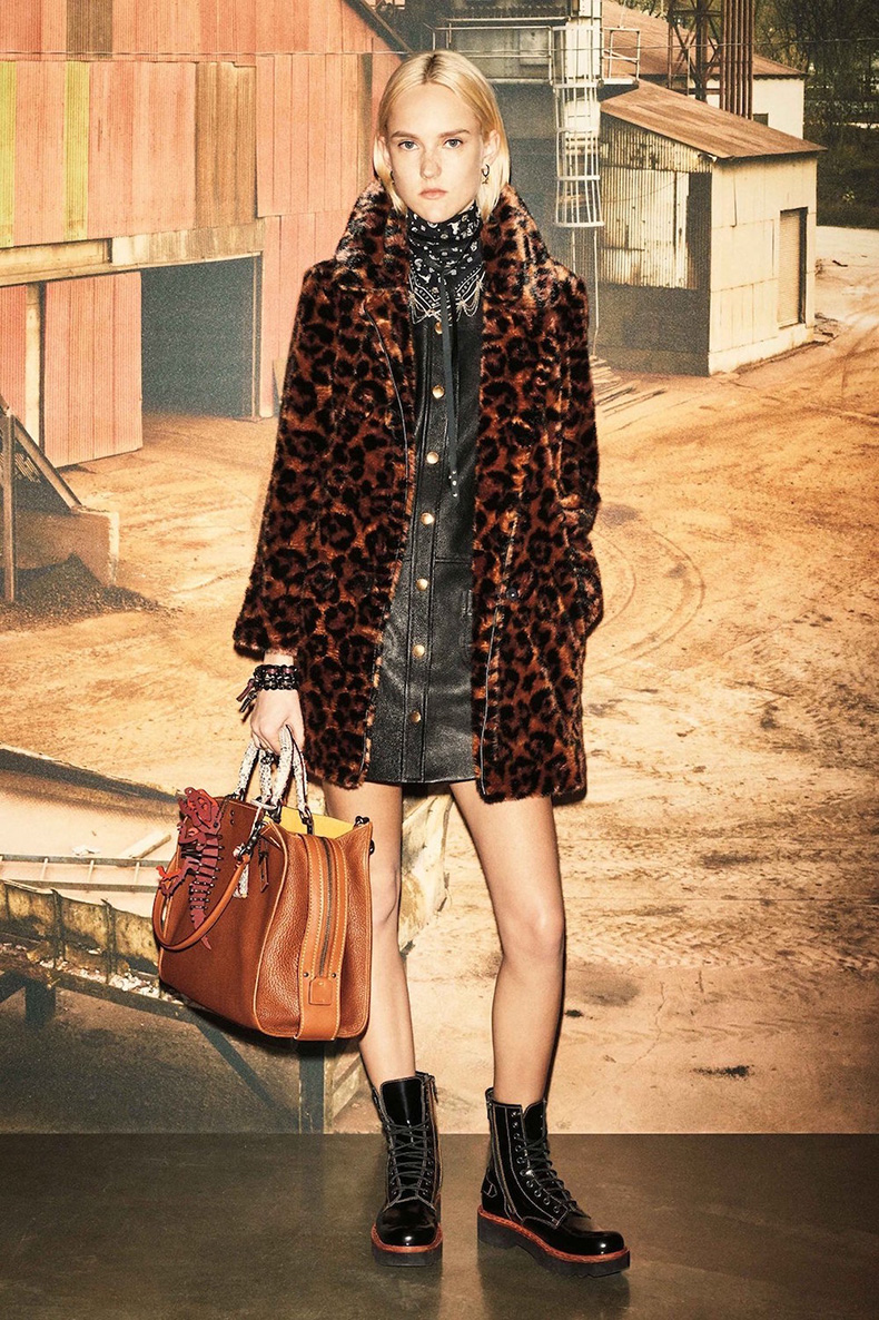 11.coach-pre-fall-2016-lookbook-leopard-trend-oracle-fox