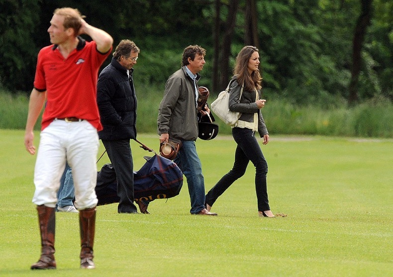 1452356529-1452292480-kate-middleton-polo-2009