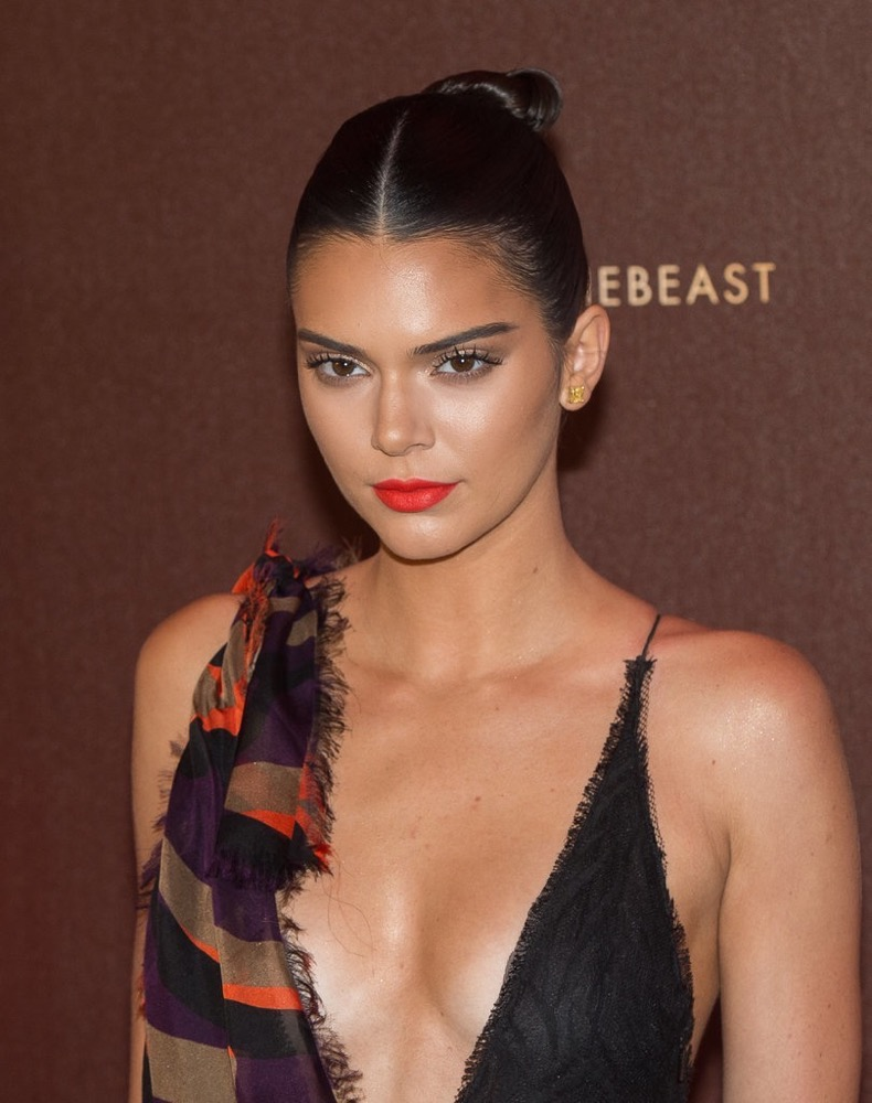Kendall-Jenner-Cannes-Film-Festival-2016-Pictures