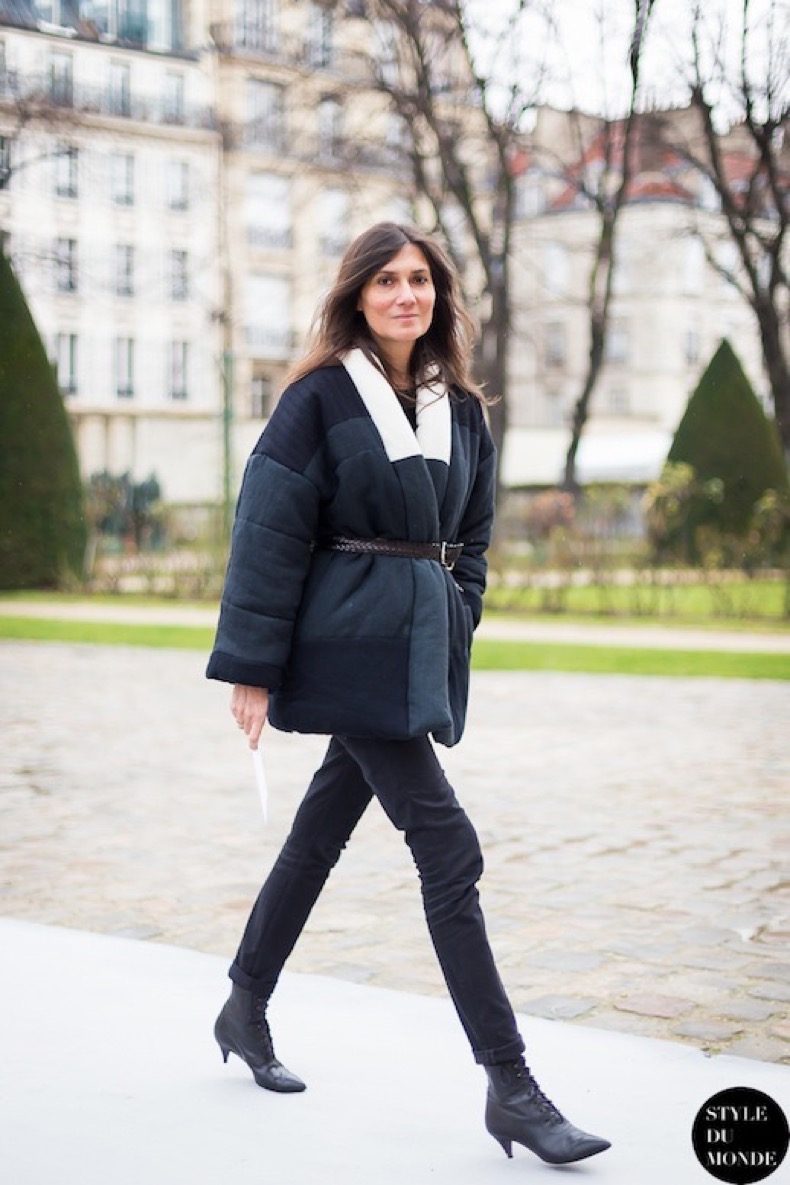 Le-Fashion-Blog-11-Ways-To-Wear-Kitten-Heels-Emmanuelle-Alt-Street-Style-Belted-Quilted-Coat-Via-Style-Du-Monde-9