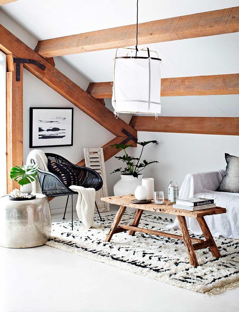 Loft_loungeroom_white