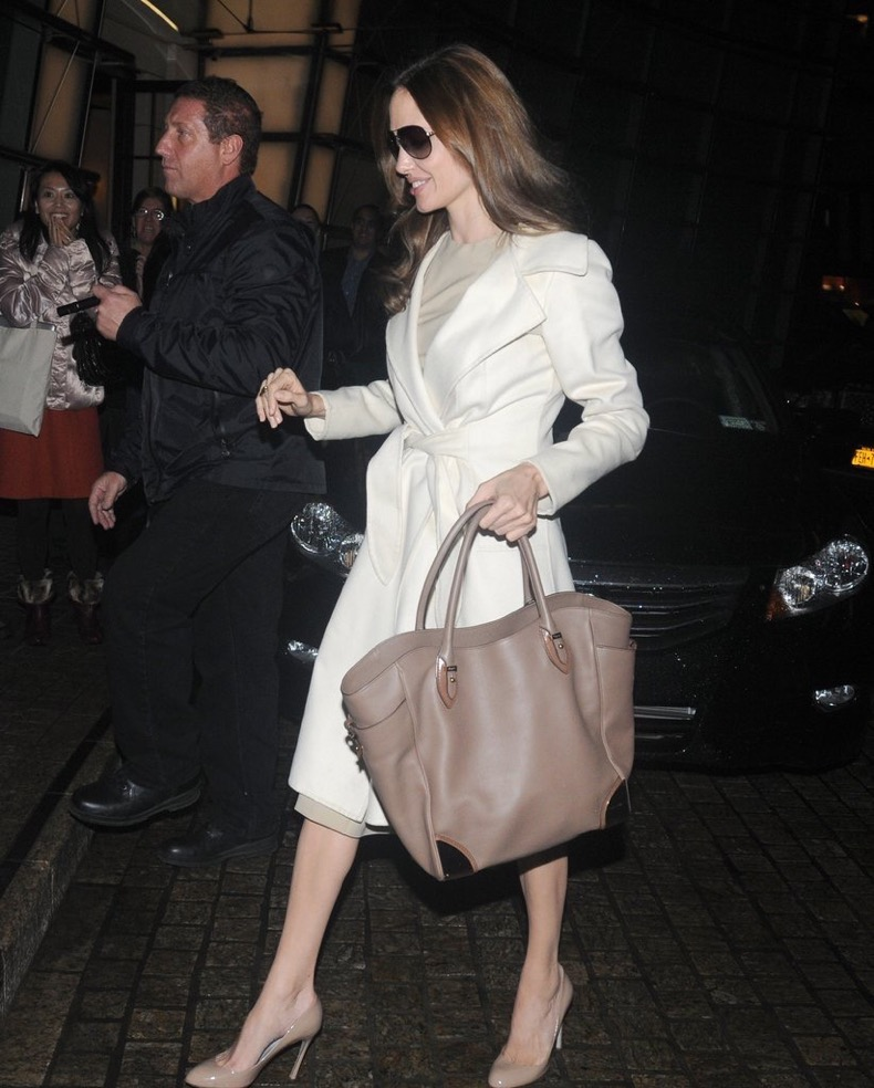 Taupe-Leather-Tote-Perfect-Balance-Light-Coat
