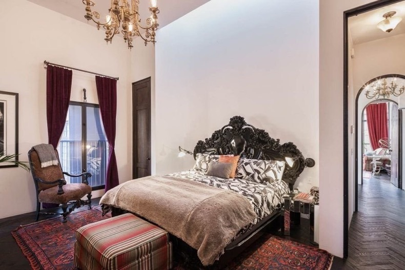 Taylor-Swift-Rents-New-York-City-Carriage-House (6)