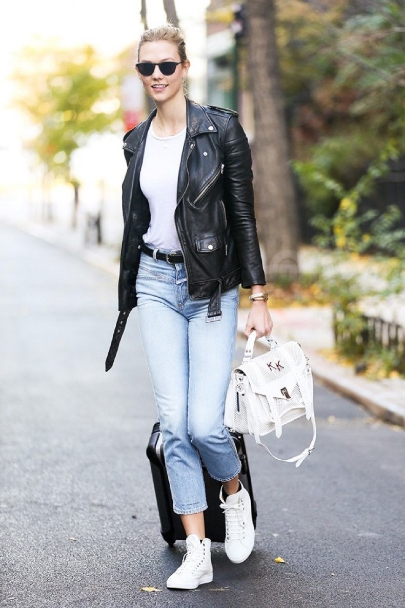 celebrities-are-obsessed-with-these-old-school-sneakers-1794928-1465239796.640x0c