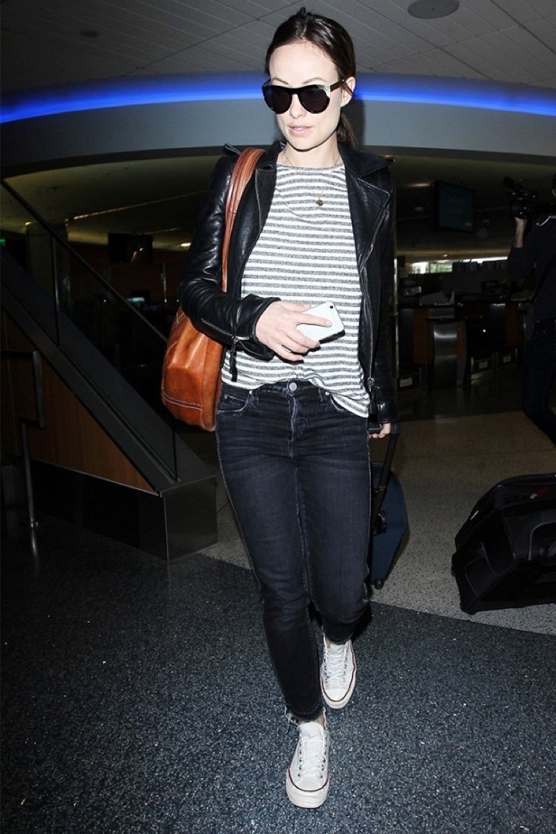 celebrities-are-obsessed-with-these-old-school-sneakers-1794933-1465240971.640x0c