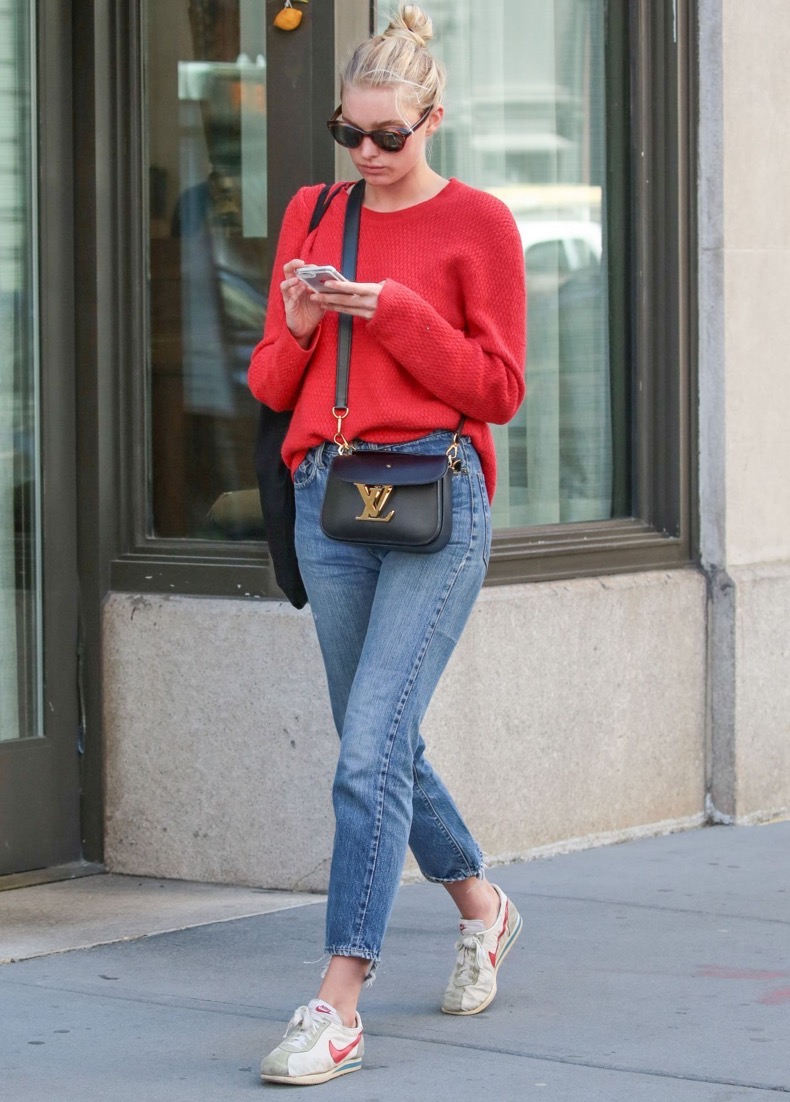 elsa-hosk-street-style-out-in-new-york-city-4-20-2016-1