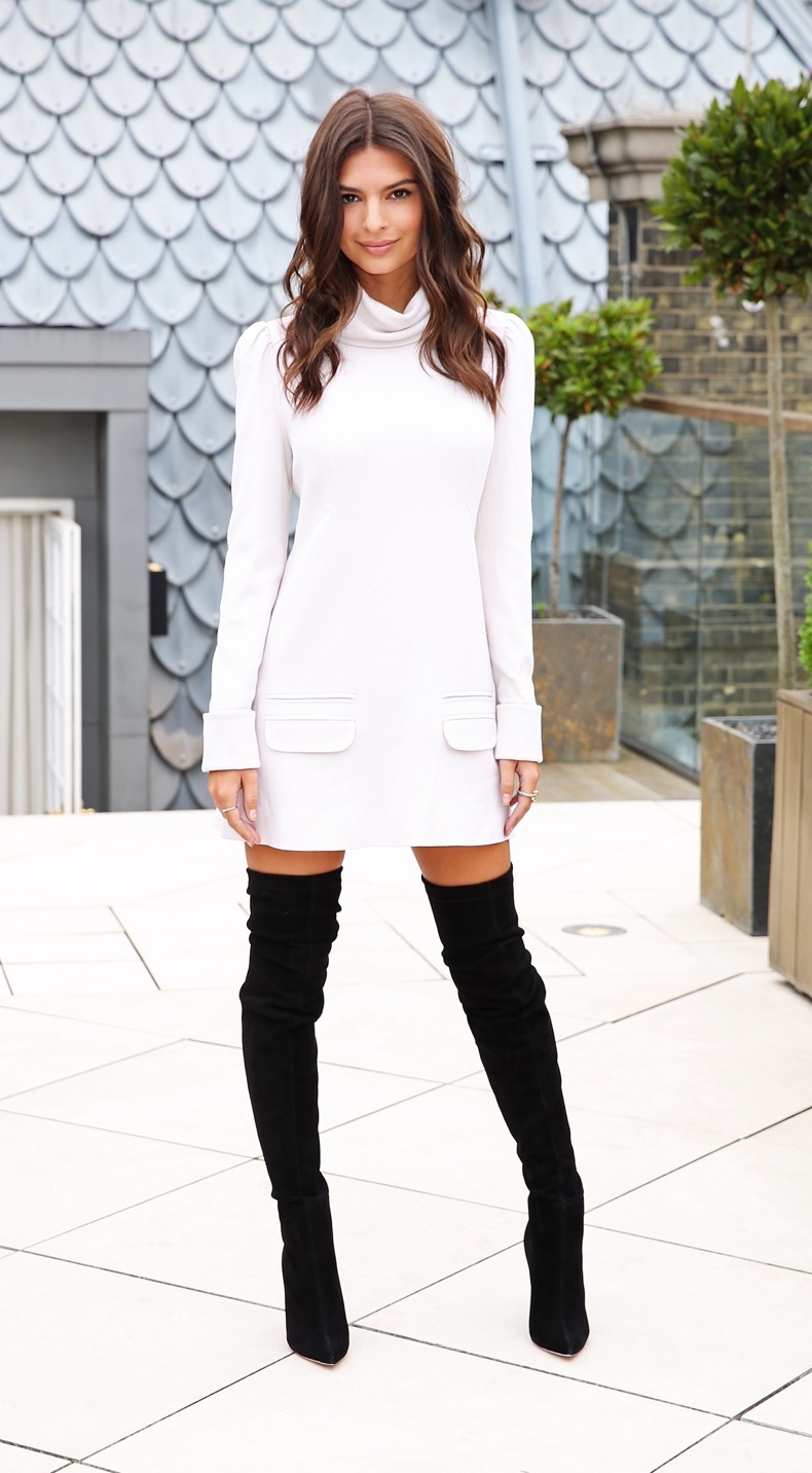 "LONDON, ENGLAND - AUGUST 11:  (SUN NEWSPAPER OUT. MANDATORY CREDIT PHOTO BY DAVE J. HOGAN GETTY IMAGES REQUIRED) Emily Ratajkowski poses at the ""We Are Your Friends"" photocall at the Corinthia Hotel London on August 11, 2015 in London, England.  (Photo by Dave J Hogan/Getty Images)"