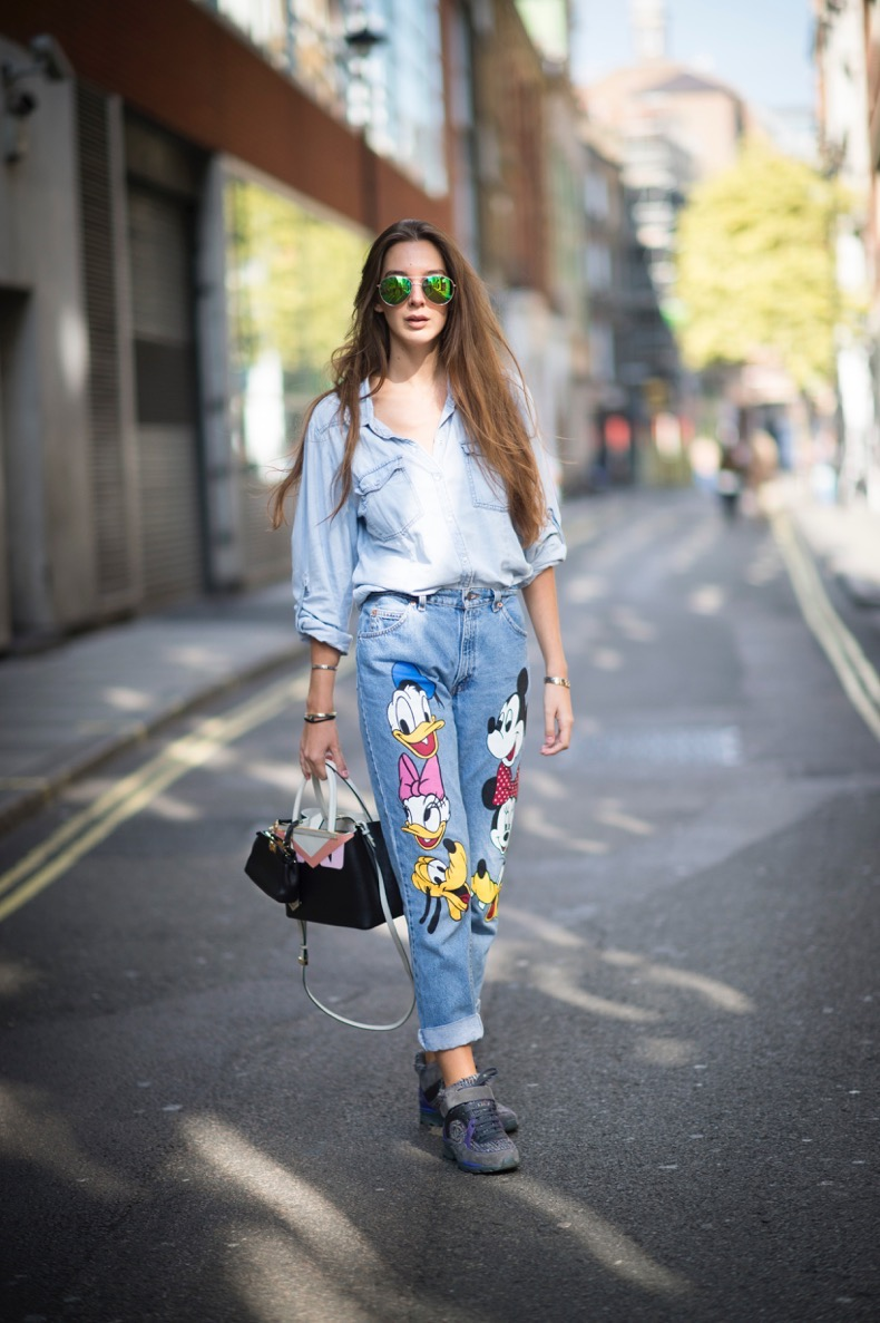 LONDON, ENGLAND - SEPTEMBER 20: Estelle Pigault is wearing a Fendi bag and Chanel shoes during London Fashion Week Spring/Summer 2016/17 on September 20, 2015 in London, England. (Photo by Timur Emek/Getty Images)