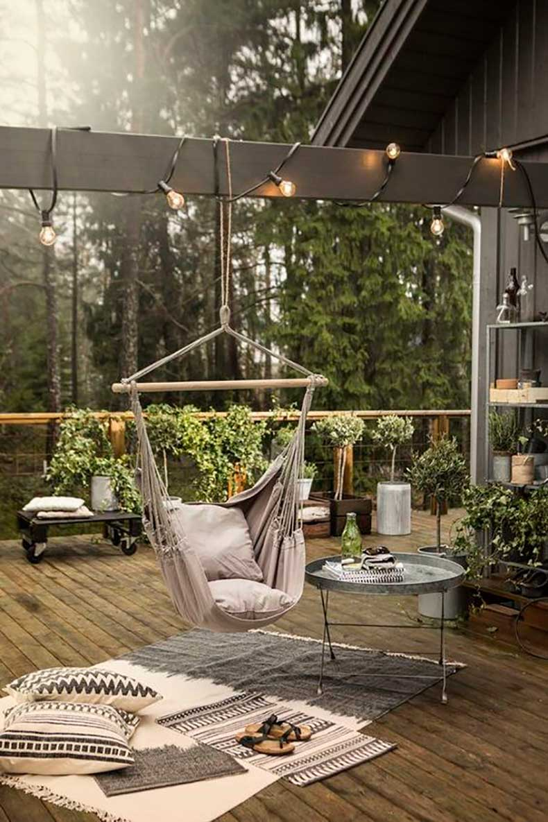 neutral-design-with-a-swing